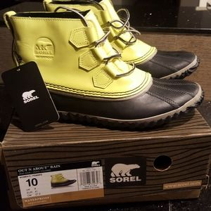 NWT Sorel Out N About Rain Boots